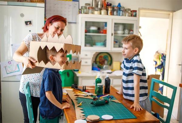 Творчество как процес - нужно ли помогать детям с поделками